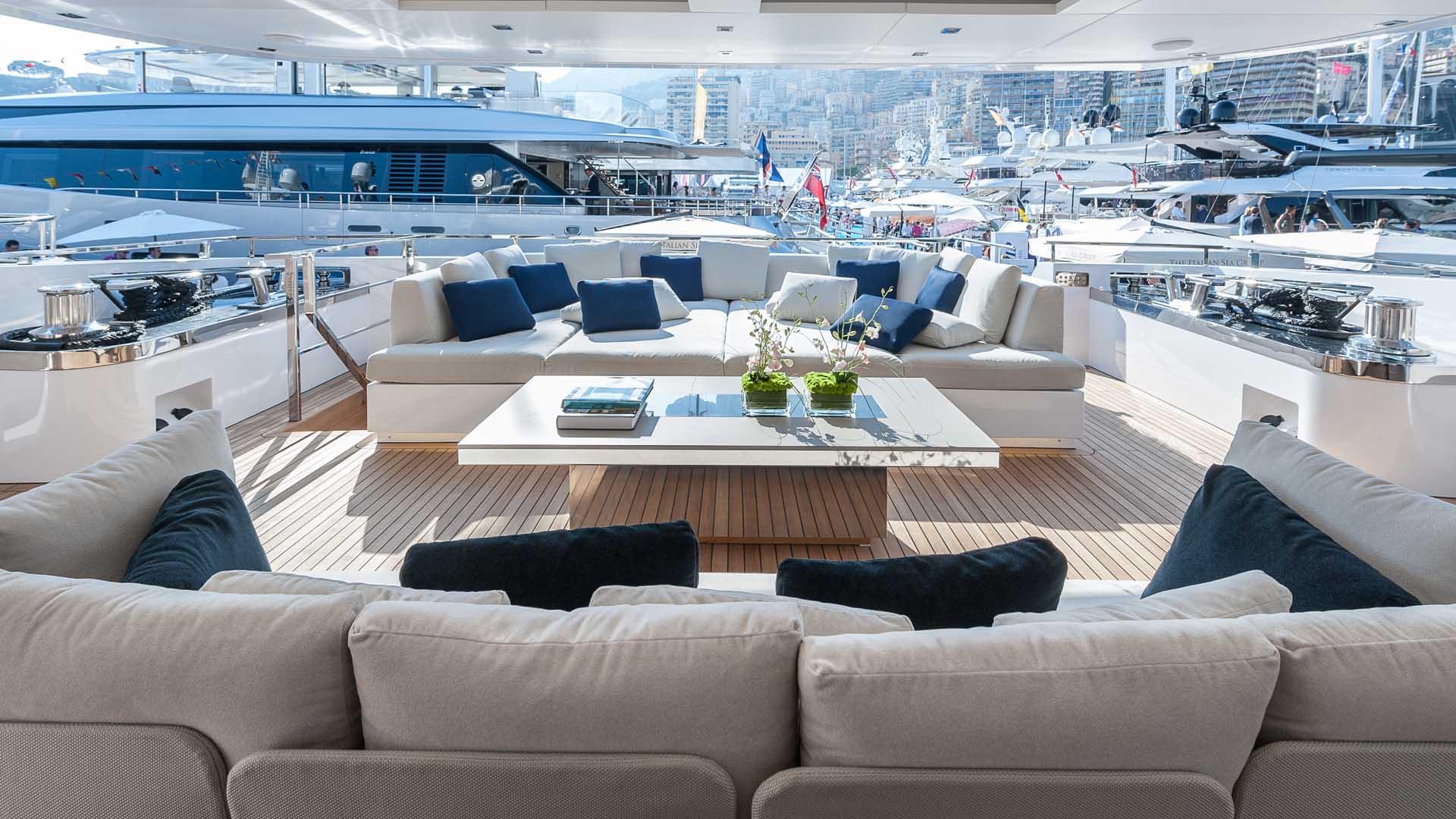 Yacht lusso yacht di lusso with yacht lusso yacht di for Interni di lusso