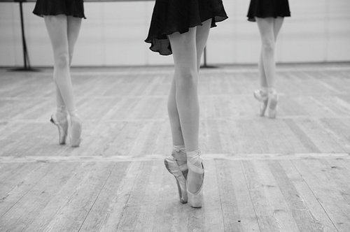 ballerina ballet black and white dance photography Favim.com 121745