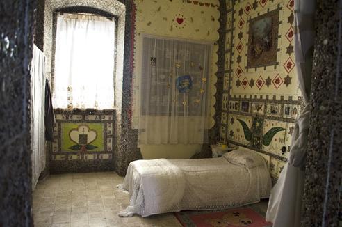 La camera da letto di Isravele. Foto di Giuseppe Puleo.