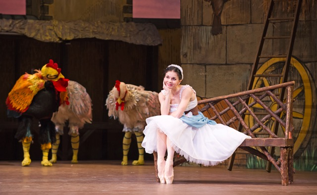 La-Fille-Mal-Gardee-2nd-Cast-16-04-15-Royal-Ballet-110-Natalia-Osipova-as-Lise-∏ROH-2015.-Ph-Tristram-Kenton