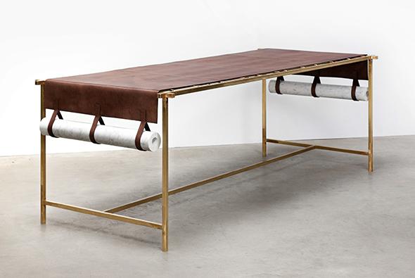 collezione craftica - tavolo con pesi in marmo. Ph. Luisa Zanzani