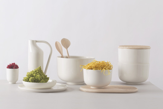 Table - collezione dedicata al mangiare quotidiano come un melting di culture