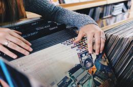 vinyl-records-945396_960_720