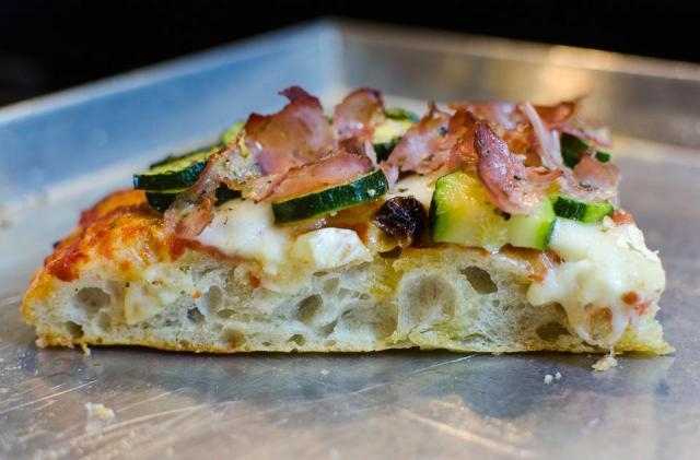 Pizza Orsini, Via Magna Grrecia 38
