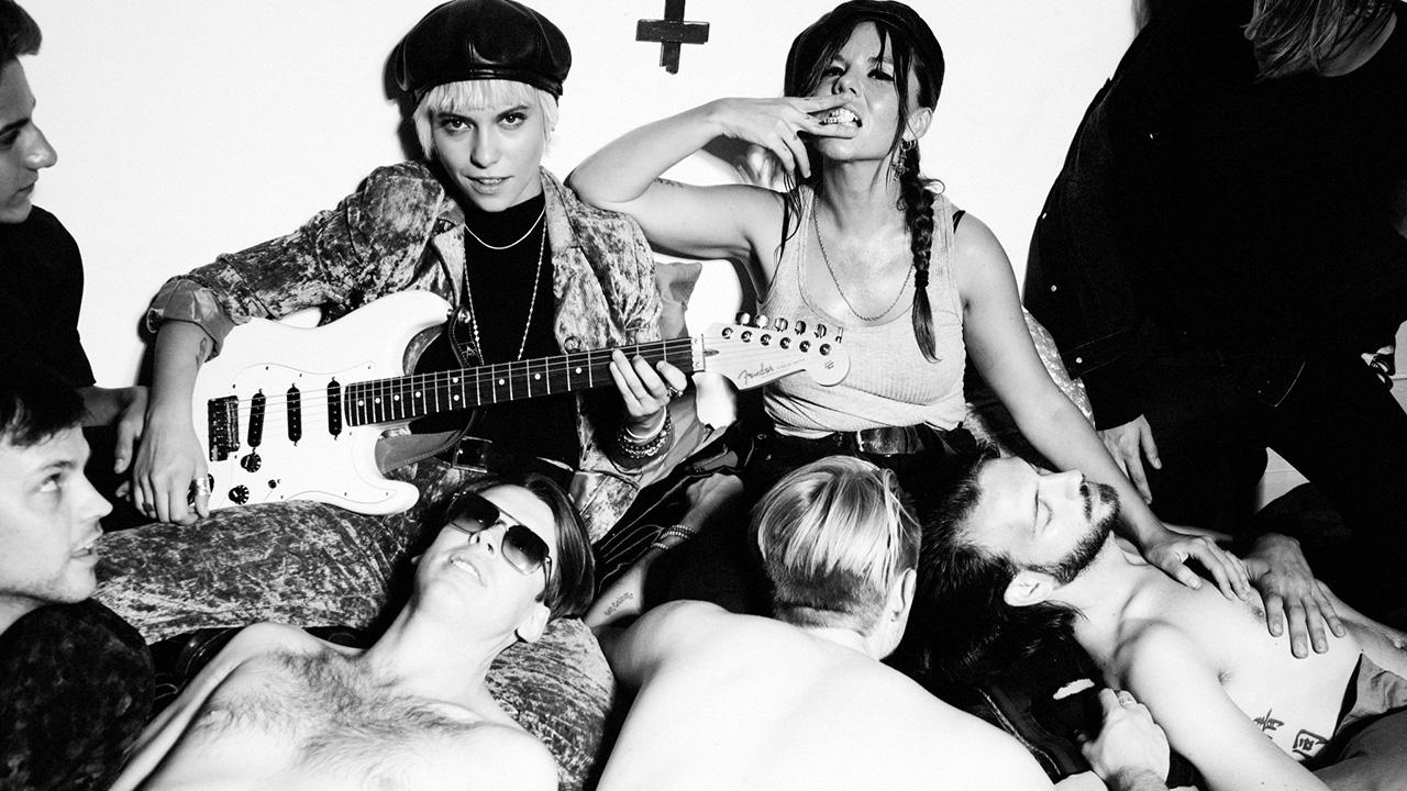 Bones – Il duo electro-rock presenta Beautiful is boring