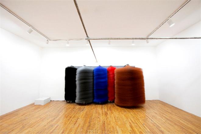 Installazione di Lara Favaretto