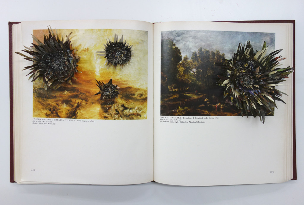 RITAGLI DI TEMPO, Ritagli di tempo, 2018, Libro ritagliato, 26 x 46 x 3,5 cm, una settimana