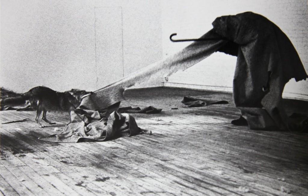 """Joseph Beuys – """"I Like America and America Likes Me"""""""