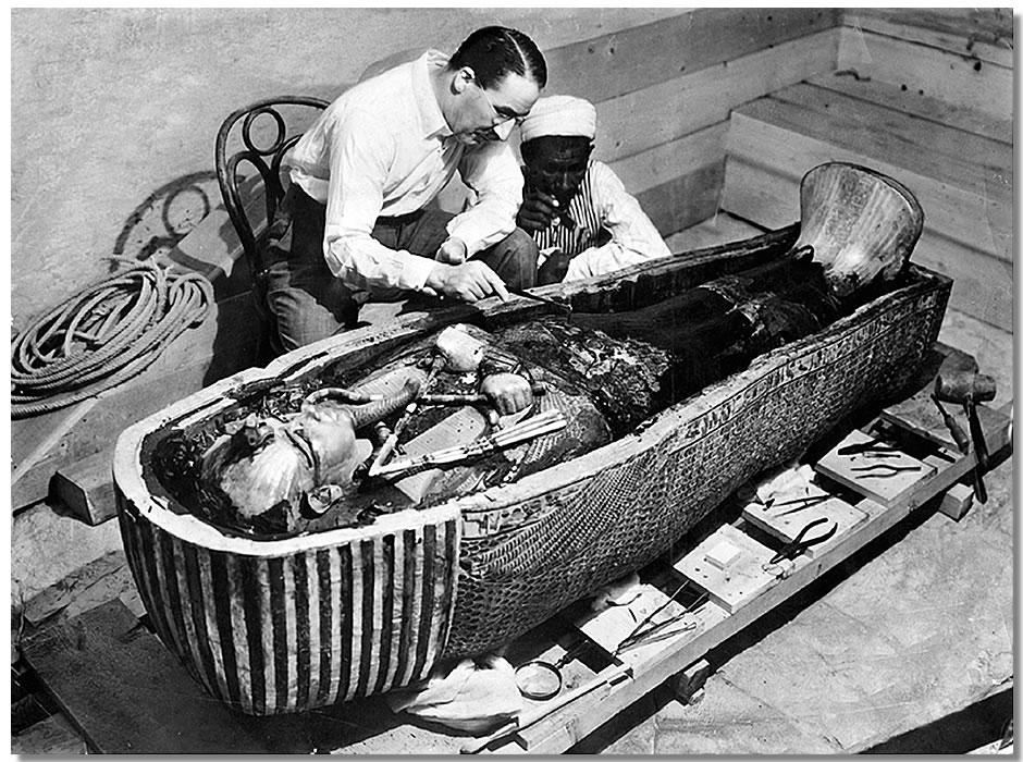 Apertura della tomba di Tutankhamon
