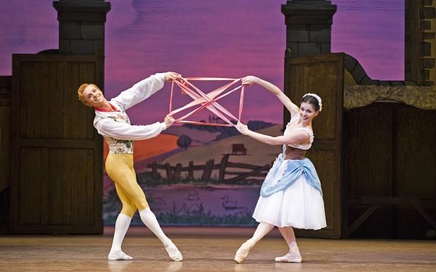Natalia Ospiova''s debut in the Royal Ballet's La Fille mal gardee Natalia Ospiova PLS CREDIT: TRISTRAM KENTON ...  A scene from La Fille Mal Gardee by The Royal Ballet @ Royal Opera House. (Opening 16-04-15) ©Tristram Kenton 04/15 (3 Raveley Street, LONDON NW5 2HX TEL 0207 267 5550  Mob 07973 617 355)email: tristram@tristramkenton.com