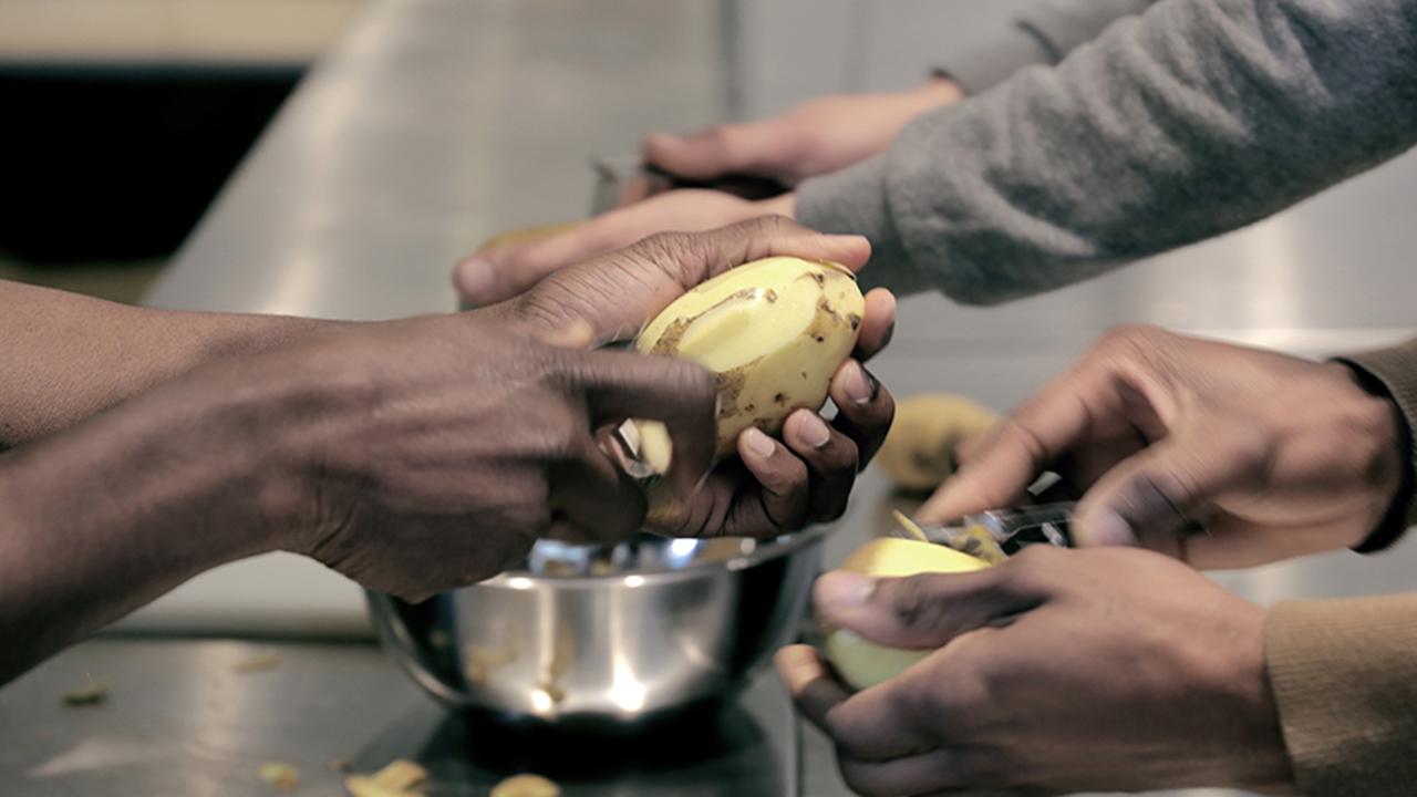 Ristorazione virtuosa: il cibo incontra le giuste iniziative
