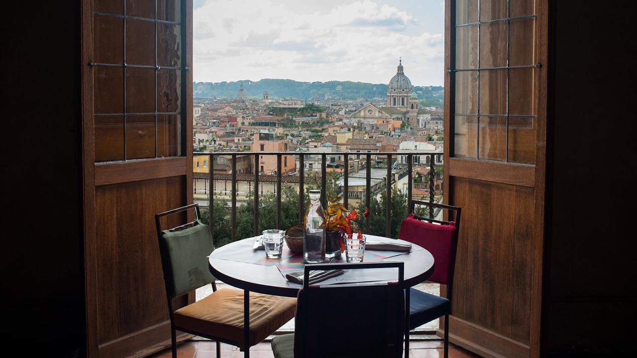 Caffè con vista Roma, piacere estivo