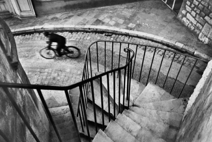 (c) Henri Cartier-Bresson