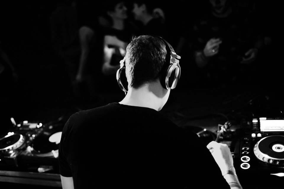 D_HANGER, energia e carisma musicale – Intervista
