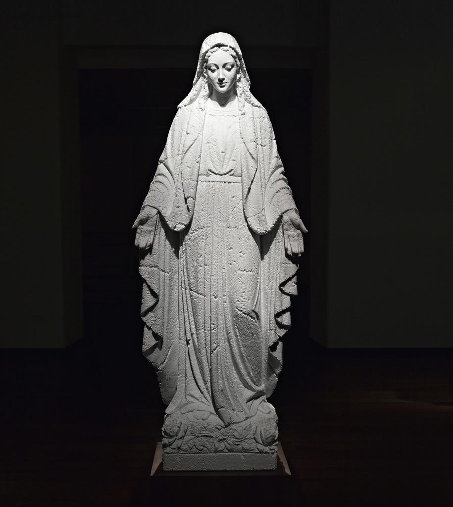 Fabio Viale, Madonna, 2014, marmo, courtesy galleria Poggiali e Forconi