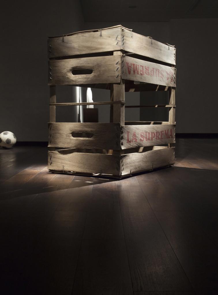 Fabio Viale, La Suprema, 2015, marmo, courtesy galleria Poggiali e Forconi