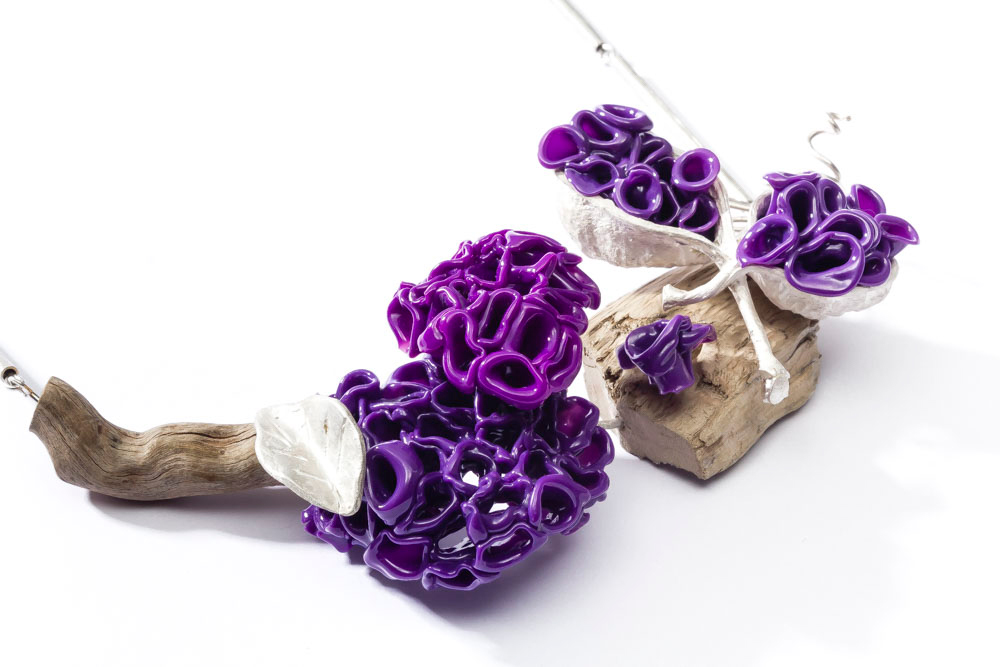 Irene Palomar, Necklace: Violet, 2016, Silver, wood, thermoformed plastic, Photo by: Damián Wasser, Detail view