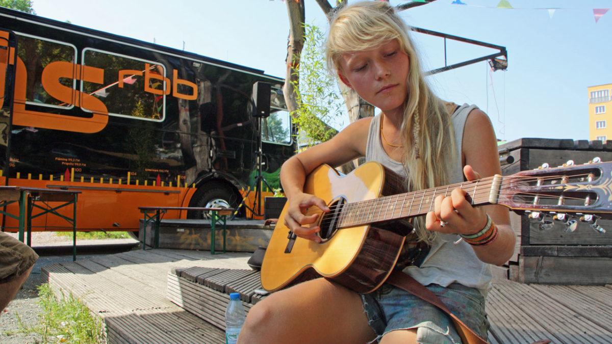 Alice Phoebe Lou- Il dolce canto della strada