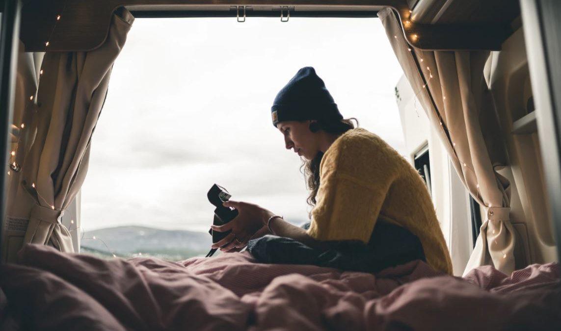Nomadi – Storie da una nuova generazione e dei suoi legami
