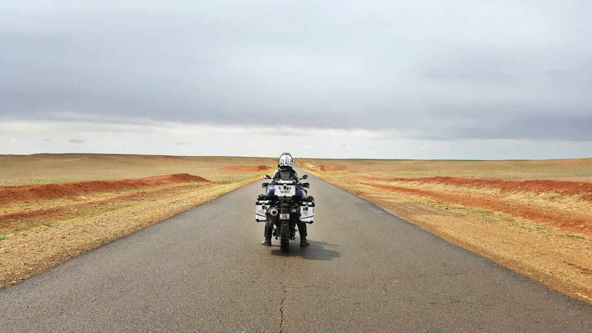 Nomads, free, independent – Interviews of women traveling on two wheels